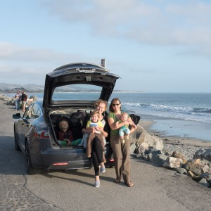 Ania, Natalia, Moby, Arlo and Sonoma at the back of a Model S P85+ in Half Moon Bay, California in July. Ania got to borrow a Tesla Model S P85+ overnight. We drove to Half Moon Bay for dinner, where Natalia got her first glimpse of the Pacific Ocean.